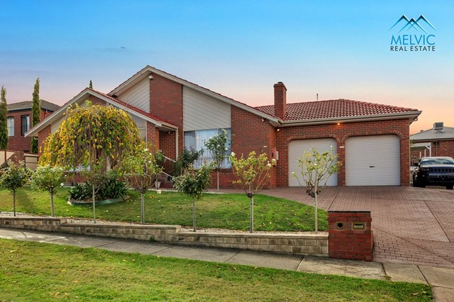 8 Eleanore Crescent, Hallam VIC 3803