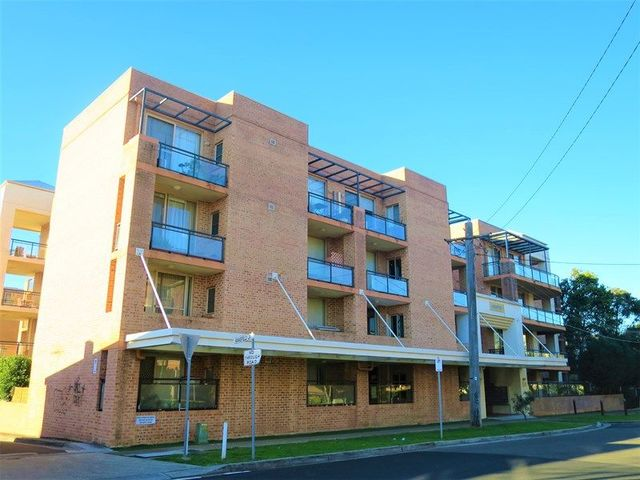 1/17 Mansfield Avenue, Caringbah NSW 2229