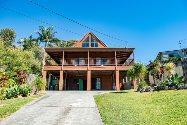 65 Seabreeze Parade, Green Point NSW 2428