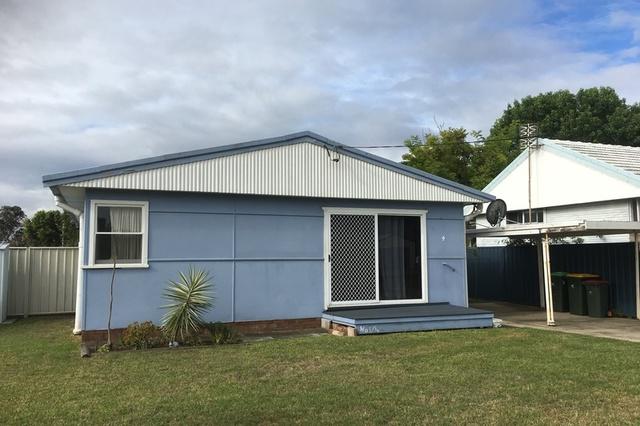 1/4 Banksia Avenue, Windang NSW 2528