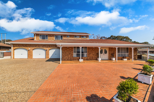 12 Webber Place, Queanbeyan NSW 2620