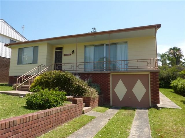 17 Davies Street, Mollymook NSW 2539