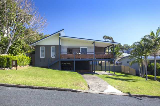 69 Carroll Avenue, Mollymook NSW 2539