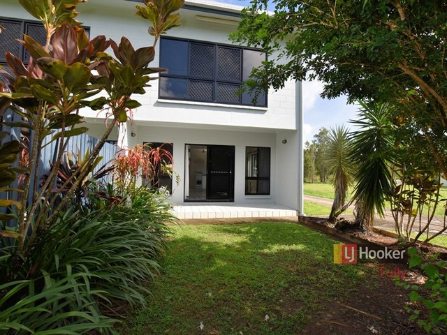 2/117 Taylor Street, Tully Heads QLD 4854