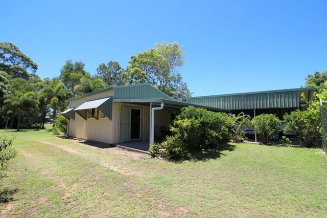 37 Paradise Palm Drive, Tully Heads QLD 4854