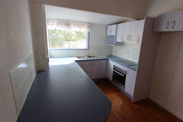 166 Galatea Street, Charleville QLD 4470