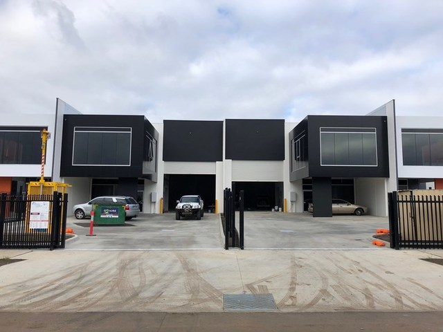 Units 2 & 4/43 Ravenhall Way, Ravenhall VIC 3023