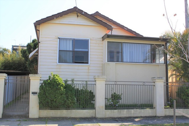 1 Arnold Street, Mayfield NSW 2304