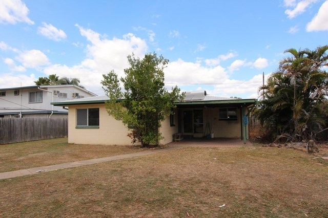 1 Sharon Crescent, Kelso QLD 4815