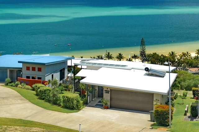 9 Cassidae Crescent, Tangalooma QLD 4025