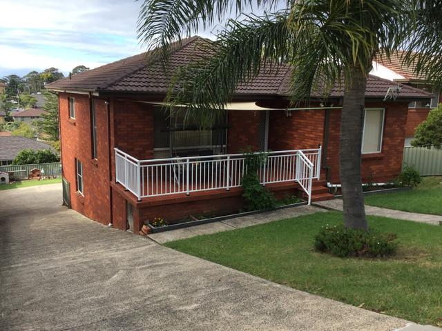 2/3 Iris Avenue, Coniston NSW 2500