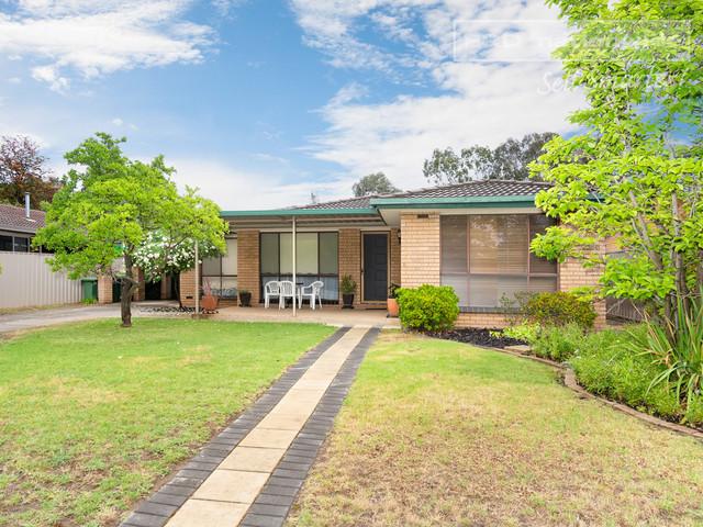 14 Pinaroo Drive, NSW 2650