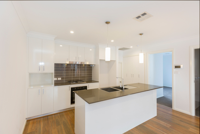 4/4 Skewes Street, Casey ACT 2913