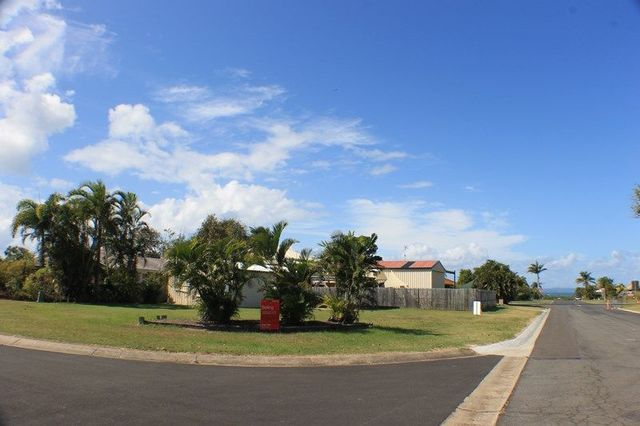 1 Seaspray Court, Urangan QLD 4655