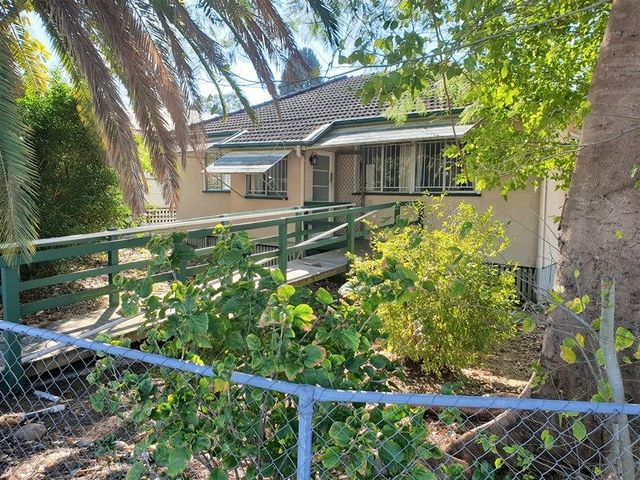 1 North Station Road, North Booval QLD 4304