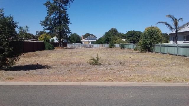 10 Budd St, Berrigan NSW 2712