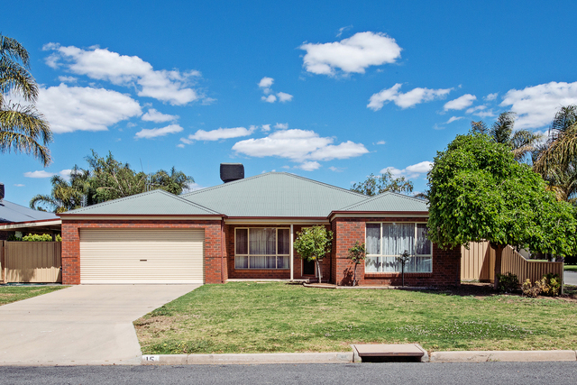 15 Adams Road, Swan Hill VIC 3585