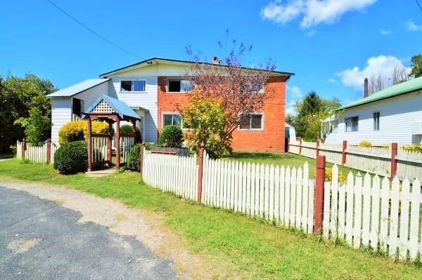 59 Malpas Street, Guyra NSW 2365