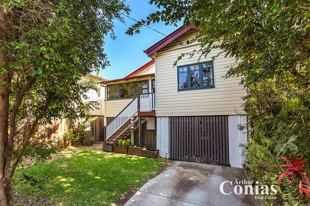 9 Water St, QLD 4059