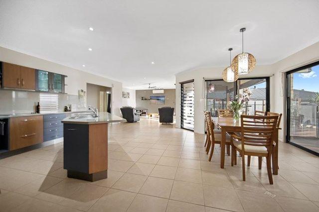 38 Bunya Pine Place, Woombye QLD 4559