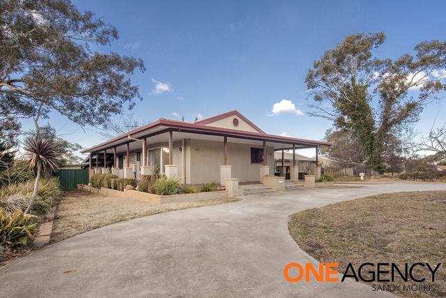 8 Seymour Place, Kambah ACT 2902