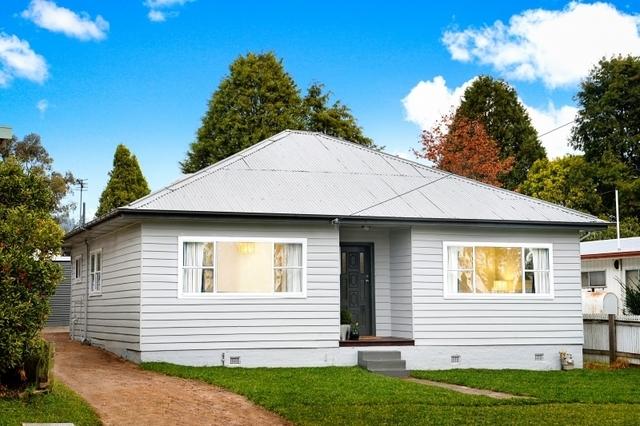 10 Hoskins Street, Moss Vale NSW 2577