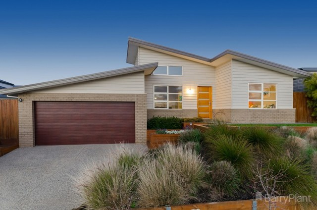 26 Aitkenside Avenue, Highton VIC 3216