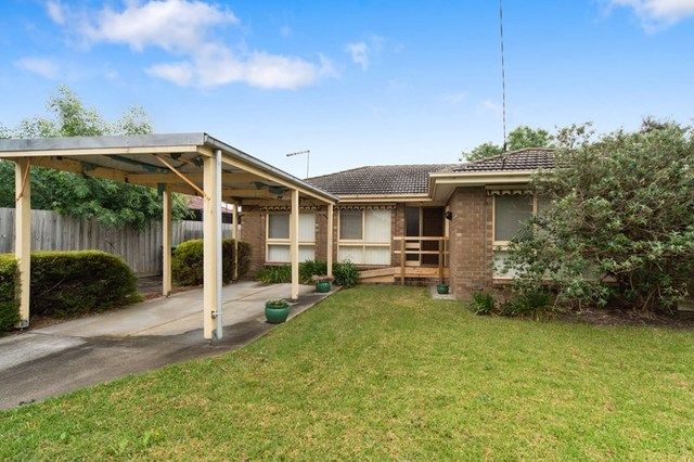 2 Henry Crescent, Seaford VIC 3198
