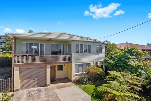 13 Shell Street, Tuross Head NSW 2537