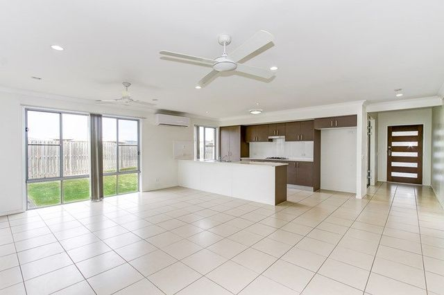 6 Oxley Circuit, Urraween QLD 4655