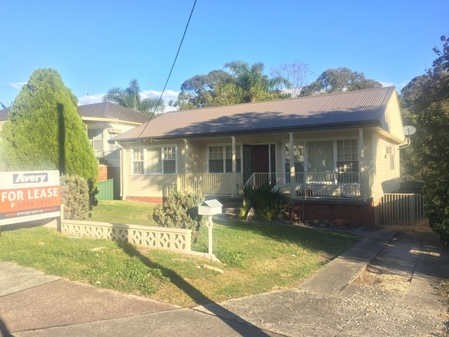 4 Macquarie Road, Fennell Bay NSW 2283