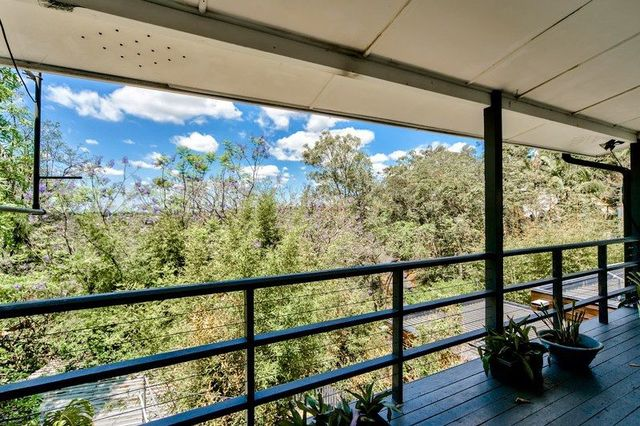 65 Forrester Terrace, Bardon QLD 4065