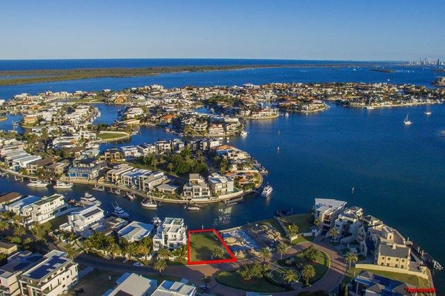 40 Knightsbridge Parade West, Sovereign Islands QLD 4216