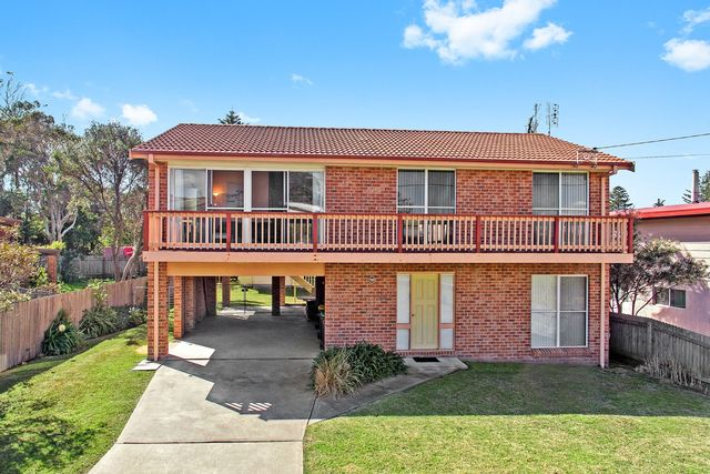44 Beach Street, Tuross Head NSW 2537