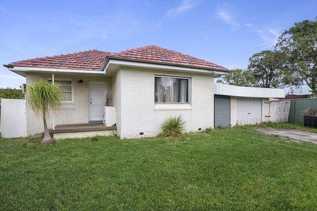 6 Johns Avenue, Macquarie Fields NSW 2564