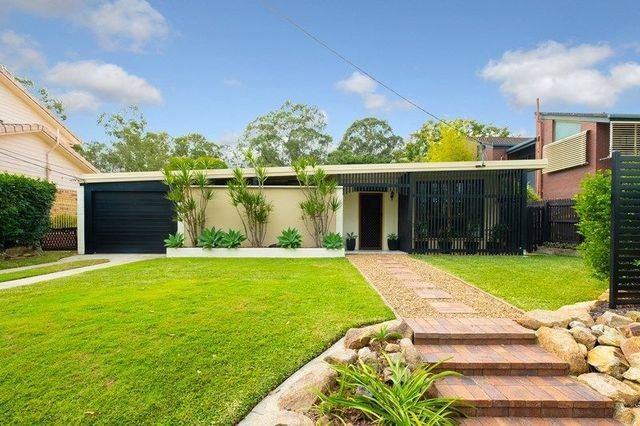 22 Algona Street, Holland Park West QLD 4121