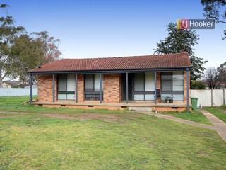 24 Marshall Street Ashmont NSW 2650