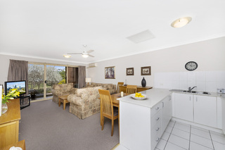 8A/12 Albermarle Place
