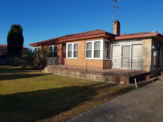 74 Beach Road, Batemans Bay NSW 2536
