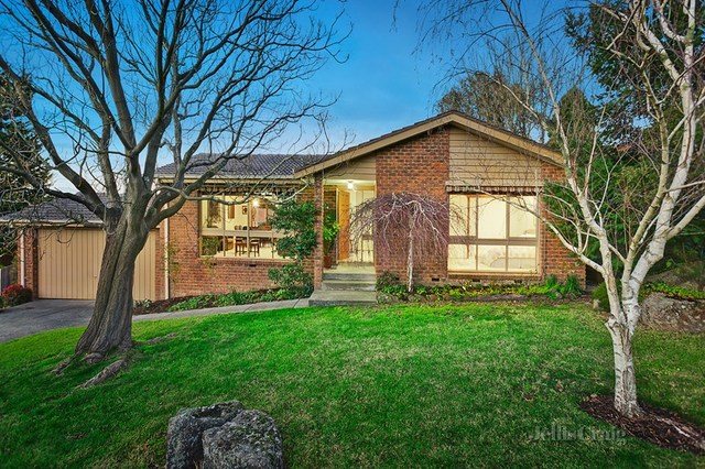 27 Pine Hill Drive, Doncaster East VIC 3109