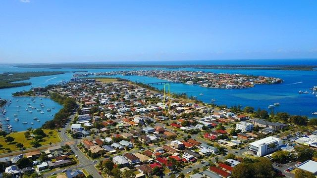 15 Abalone Avenue, Paradise Point QLD 4216