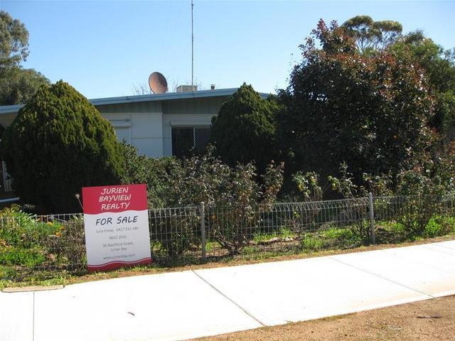 16 Melbourne Street, Moora WA 6510