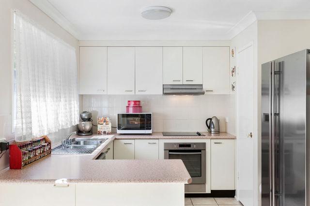 28 Amara Crescent, Forest Lake QLD 4078