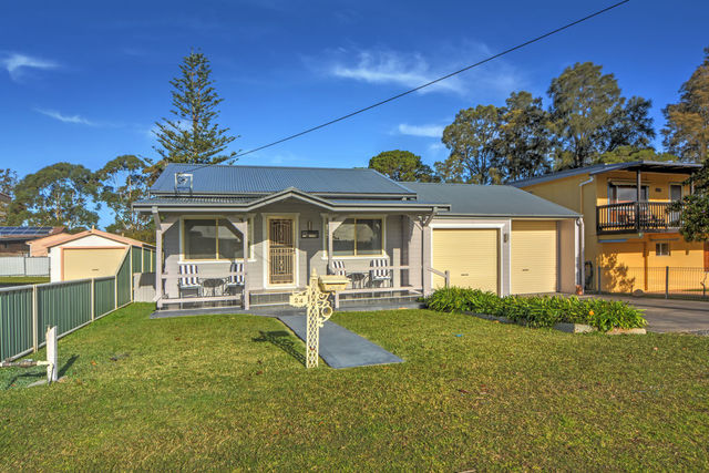 24 Lyons Road, Sussex Inlet NSW 2540