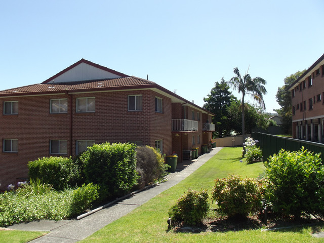 4/174 Gertrude Street, Gosford NSW 2250