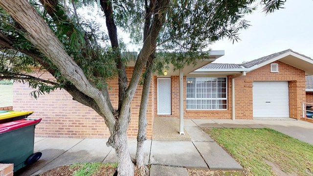 2/22 Kilpatrick Street, Kooringal NSW 2650