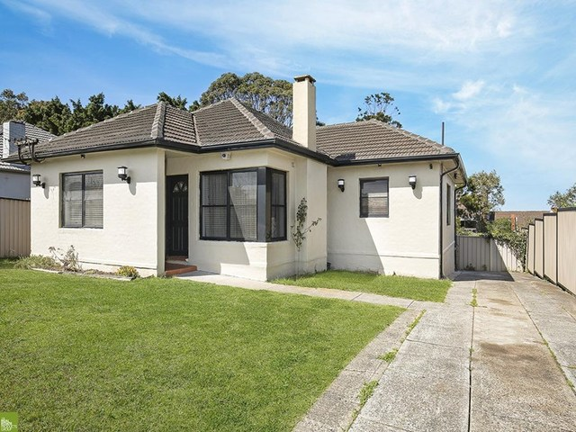 143 Flagstaff Road, Lake Heights NSW 2502