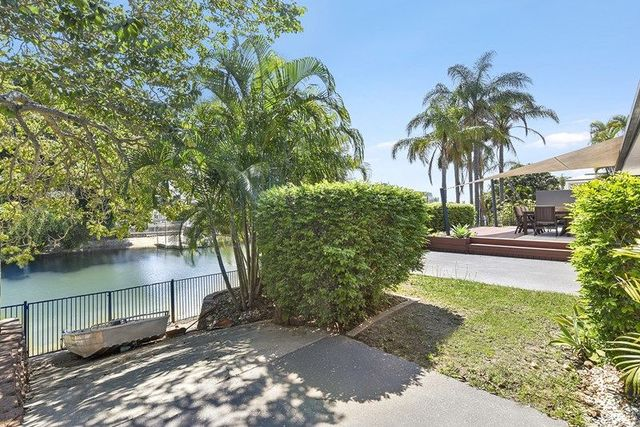 3 Monte Vista Court, Broadbeach Waters QLD 4218