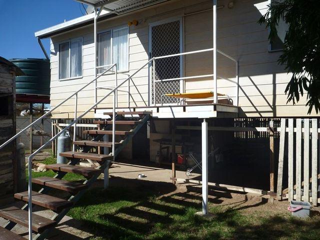 11 Charles, Surat QLD 4417