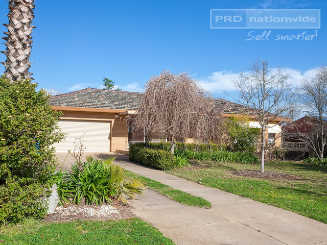 50 Walteela Avenue, Mount Austin NSW 2650
